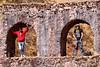 Orlando & Yngwie sobre el aqueducto colonial a 40' de Chinchero cerca de las antenas de Claro - Cusco - Perú<br /> <br /> Orlando & Yngwie on top of the colonial aqueduct 40' uphill from Chinchero nearby the Claro antennas - Cusco - Peru<br /> <br /> Orlando en Yngwie op de koloniale aqueduct op 40' van Chinchero nabij de Claro antennes - Cusco - Peru<br /> <br /> Orlando & Yngwie sur l'aqueduc colonial à 40' de Chinchero à proximité des antennes de Claro - Cusco - Pérou
