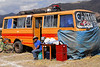 Bus cantina - Feria agropecuaria & artesanal - Chinchero - Cusco - Perú<br /> <br /> Beer bus - Agricultural & Crafts Fair - Chinchero - Cusco - Peru<br /> <br /> Bier bus - Landbouw & Ambachtenfeest - Chinchero - Cusco - Peru<br /> <br /> Bus bistrot - Foire agricole et artisanale - Chinchero - Cusco - Pérou