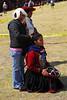 Preparando la bailarina - Feria agropecuaria & artesanal - Chinchero - Cusco - Perú<br /> <br /> Getting ready for the dance - Agricultural & Crafts Fair - Chinchero - Cusco - Peru<br /> <br /> Klaarmaken voor de dans - Landbouw & Ambachtenfeest - Chinchero - Cusco - Peru<br /> <br /> Preparatifs de la danse - Foire agricole et artisanale - Chinchero - Cusco - Pérou
