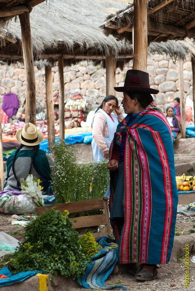 Overall - Mercado de Abastos - Chinchero - Cusco - Perú<br /> <br /> This is what I call an overall - Food Market - Chinchero - Cusco - Peru