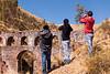 Tomando una fotita - Aqueducto Colonial - Chinchero - Cusco - Perú<br /> <br /> Taking a picture - Colonial aqueduct - Chinchero - Cusco - Peru<br /> <br /> Fotootje aan het trekken - Koloniale aqueduct - Chinchero - Cusco - Peru<br /> <br /> Photo en groupe - Aqueduc colonial - Chinchero - Cusco - Pérou