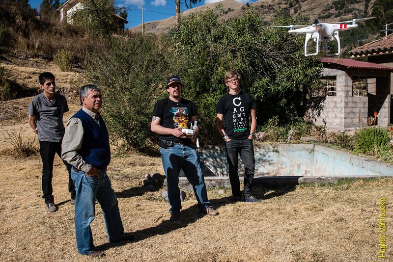 Alejandro Rojas Santander, Don Alejandrino Lozano-Álvarez, Luis Figueroa Lozano-Álvarez & Yngwie Vanhoucke con el drone DGI Phantom 2 Vision Plus