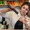 Anabelly preparing a frappuccino - Eusebio & Manolo Coffee Shop - C/. Carmen Alto 116 - San Blas - Cusco - Perú