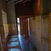 Baños para los varones en el Hogar Girasol de Huayllabamba