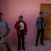 Visitando los cuartos de las niñas huérfanas con pintura fresca en el Hogar Girasol de Huayllabamba