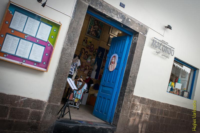 Macondo Café Concepto & Tienda de Arte - Cuesta San Blas 571 - San Blas - Cusco - Perú<br /> <br /> Macondo Concept Bar/Restaurant & Art Store - Cuesta San Blas 571 - San Blas - Cusco - Peru<br /> <br /> Macondo Café/Restaurant & Kunstshop - Cuesta San Blas 571 - San Blas - Cusco - Peru<br /> <br /> Macondo Bar/Restaurant Concept & Boutique d'Art - Cuesta San Blas 571 - San Blas - Cusco - Pérou
