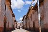 Mucho tráfico en el centro del pueblo - Maras - Valle Sagrado de los Incas - Cusco - Perú<br /> <br /> Traffic jam in the city centre - Maras - Valle Sagrado de los Incas - Cusco - Peru<br /> <br /> Opstopping in het stadscentrum - Maras - Valle Sagrado de los Incas - Cusco - Peru<br /> <br /> Bouchon dans les rues du centre ville - Maras - Valle Sagrado de los Incas - Cusco - Pérou