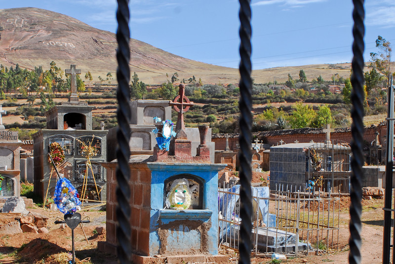 Cementerio típico del campo - Moray - Maras - Valle Sagrado de los Incas - Cusco - Perú<br /> <br /> Typical small town cemetery - Moray - Maras - Valle Sagrado de los Incas - Cusco - Peru<br /> <br /> Typisch dorpskerkhof - Moray - Maras - Valle Sagrado de los Incas - Cusco - Peru<br /> <br /> Cimetière typique de village - Moray - Maras - Valle Sagrado de los Incas - Cusco - Pérou