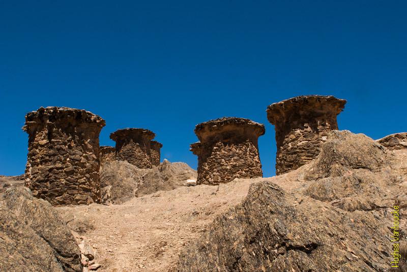 Cuatro de las torres funerarias de Ninamarca - Paucartambo - Cusco - Perú<br /> <br /> Four of the funerary towers @ Ninamarca - Paucartambo - Cusco - Peru<br /> <br /> Vier Grabbeigaben Türmen am Ninamarca - Paucartambo - Cusco - Peru<br /> <br /> Vier van de graftorens van Ninamarca - Paucartambo - Cusco - Peru<br /> <br /> Quatre des tours funéraires de Ninamarca - Paucartambo - Cusco - Pérou