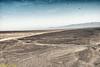 """Geoglifo llamado """"de las manos"""". Una de las manos tiene cuatro dedos. Personas o animales que nacen con menos dedos de lo normal son considerados como cercanos a los """"apus"""", los dioses que son cerros (montañas) - Mirador Líneas de Nazca - Nazca - Perú<br /> <br /> Geoglyph called """"hand"""". One hand has four fingers. People or animals who are born with fewer fingers than normal are considered close to the """"apus"""", the gods in the hills - Mirador Nazca Lines - Nazca - Peru<br /> <br /> Nazca lijn genaamd """"hand"""". Eén hand heeft vier vingers. Mensen of dieren die met minder vingers geboren zijn dan normaal worden beschouwd als dicht bij de """"apus"""" zijnde, de goden van de heuvels - Uitkijktoren Nazca-lijnen - Nazca - Peru<br /> <br /> Géoglyfe appelé «main». Une main a quatre doigts. Les personnes ou les animaux qui sont nés avec moins de doigts que la normale sont considérés comme proche des «apus», les dieux des collines - Mirador des lignes de Nazca - Nazca - Pérou"""