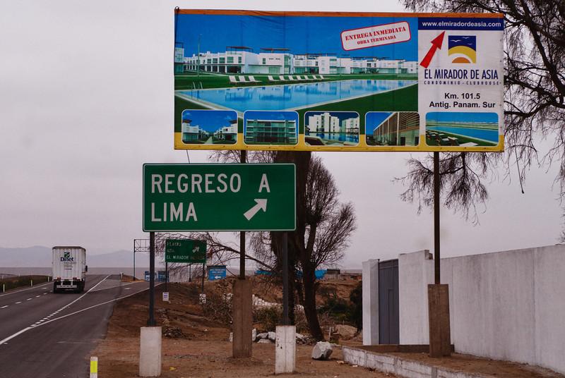 Para los que quieren regresar a Lima, acá se puede o también se pueden comprar casas de verano Panamericana - Asia - Lima - Perú<br /> <br /> Those who wish to return to Lima can do it here and you could as well buy a summer house - Panamericana - Asia - Lima - Peru<br /> <br /> Wie wenst terug te keren naar Lima kan dit hier doen en eventueel ook een buitenverblijf kopen - Panamericana - Asia - Lima - Peru<br /> <br /> Ceux qui souhaiteraient retourner à Lima peuvent le faire ici et en même temps acheter une maison de campagne avec piscine - Panamericana - Asia - Lima - Pérou