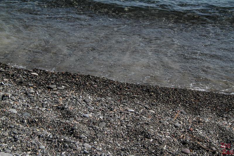 Les plages de sable noir de Santorin2