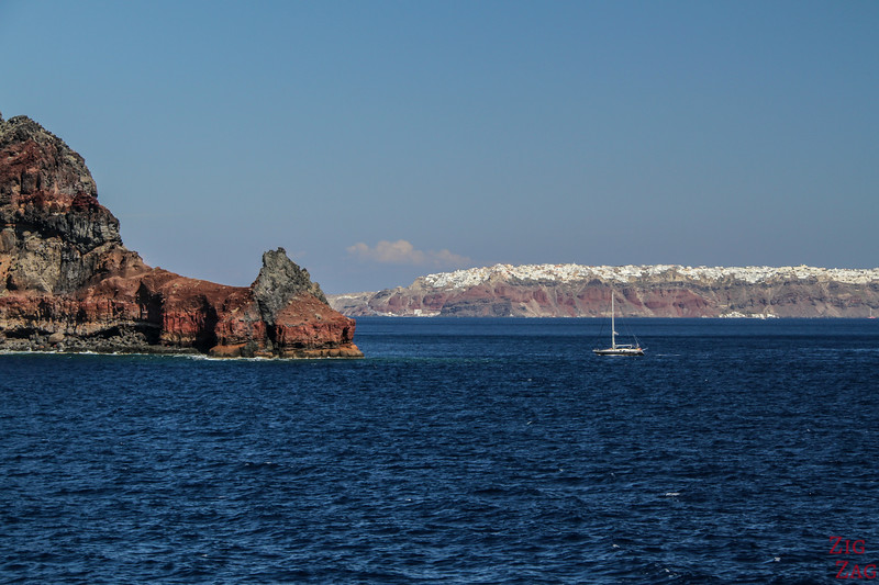 Santorini boat tour - cheap alternative - view from ferry 1