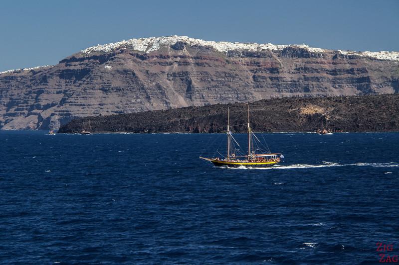 Pourquoi une excursion en bateau à Santorin est un must...