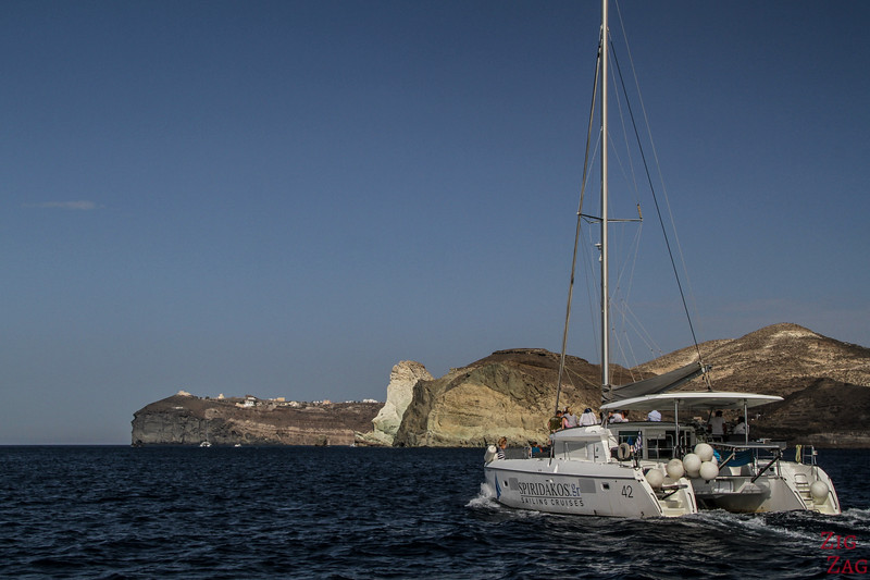 Santorini tours from Oia ​- catamaran