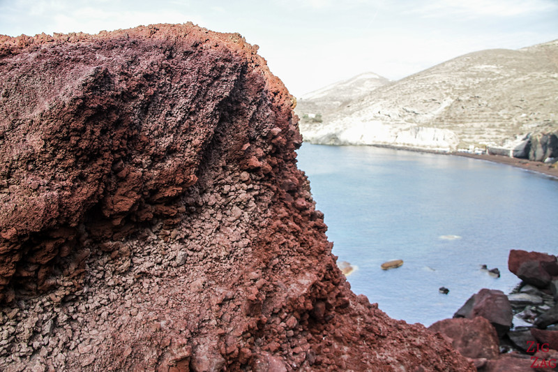 Why is Red Beach in Santorini red 1