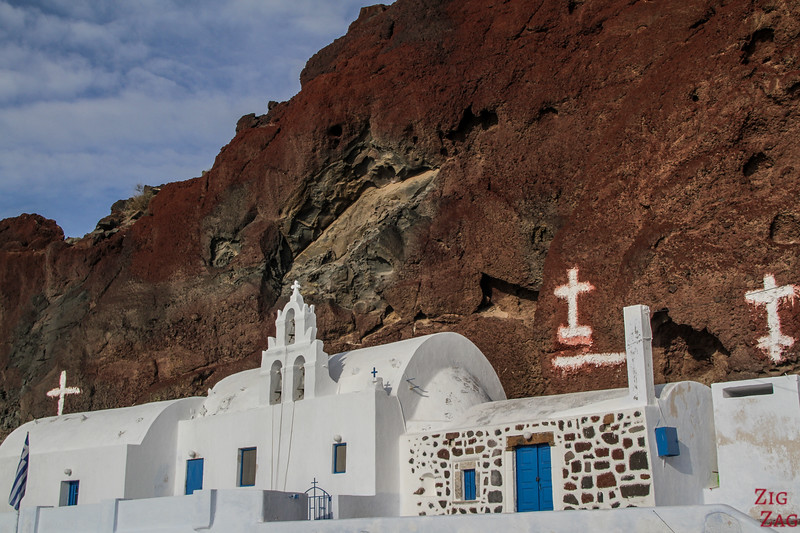 Santorin en photos - Eglise de la plage rouge