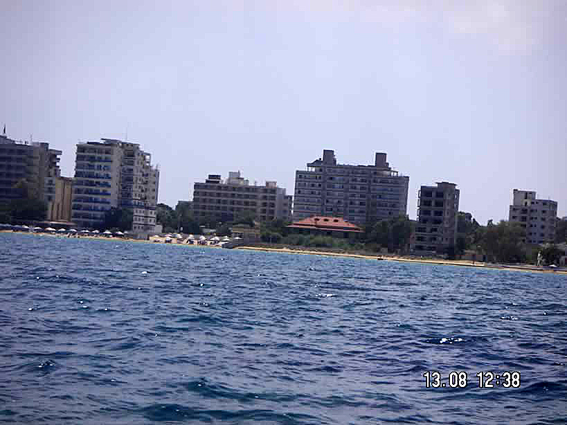 "<h2>Golden Seaside - 13.8.2006</h2><div class=""imagecaption"" id=""imagecaption""><p class=""caption""> On the eve of the 32nd anniversity of Famagusta's occupation  </div>"