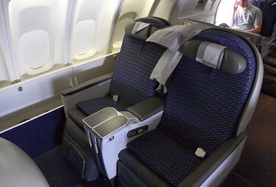 Upper deck seats of the Boeing 747-400, NWA flight 68 from Detroit to Amsterdam.