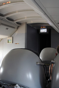 Upper deck of the Boeing 747-400, NWA flight 68 from Detroit to Amsterdam.