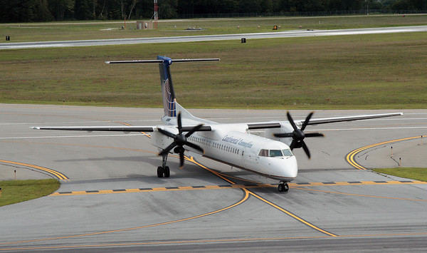 Almost new Q400 qrriving from Newark.