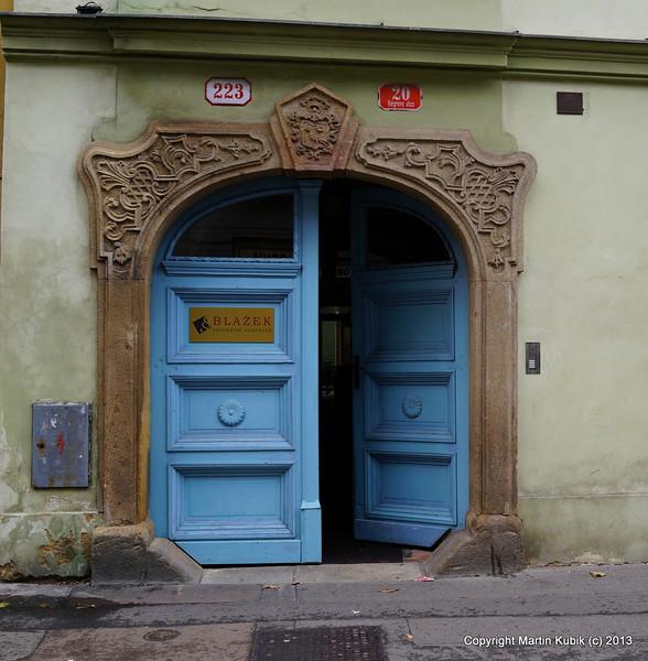 Another stately door in Pilsen.