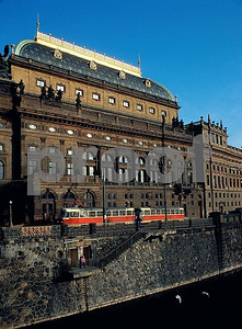 Prague Nat  Theater 12 04 006