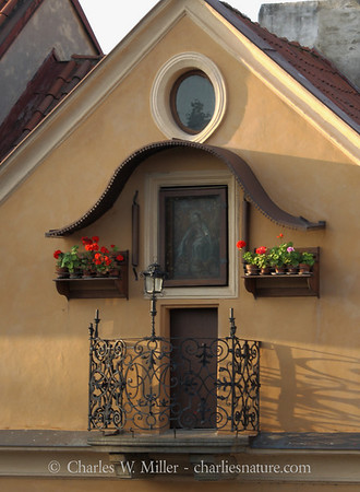 Dwelling beside the Charles Bridge, Prague