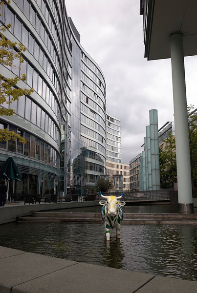 Frankfurt financial district, bull in fountain