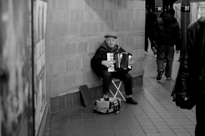 Street performer, NYC Subway 2009