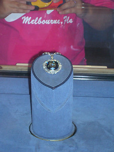 Hope diamond, Museum of Natural History.