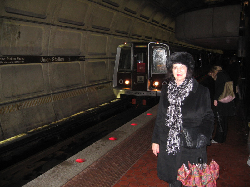 DC Subway - train arriving.