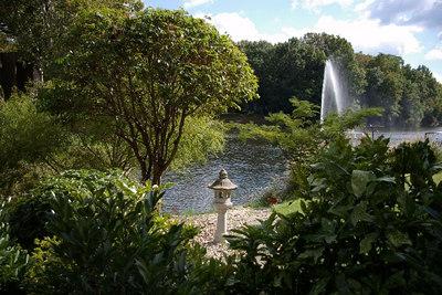 Reston: The fountain on Lake Anne