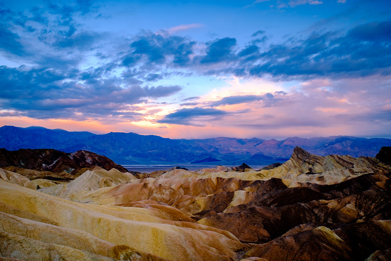 ZABRISKIE POINT SUNRISE ON A CLOUDY MORNING