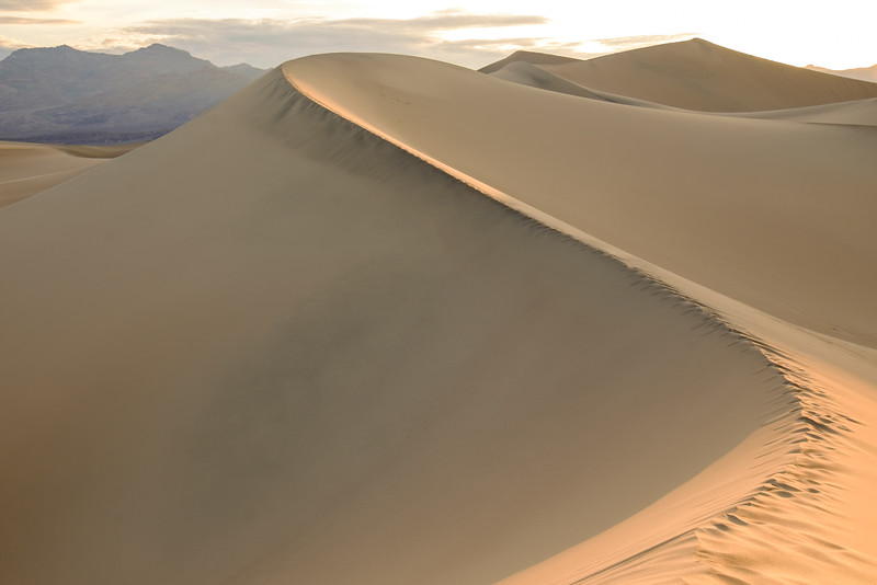 FIRST LIGHT AT MESQUITE DUNES