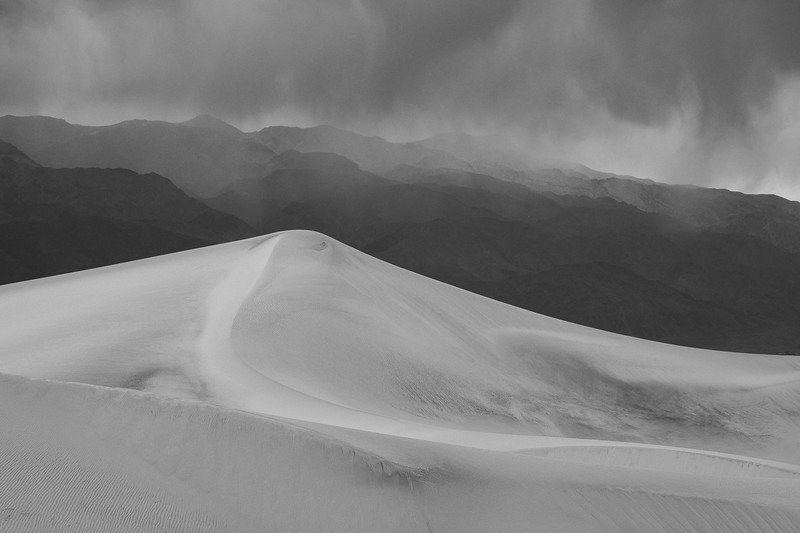 APPROACHING STORM - MESQUITE FLAT SAND DUNES