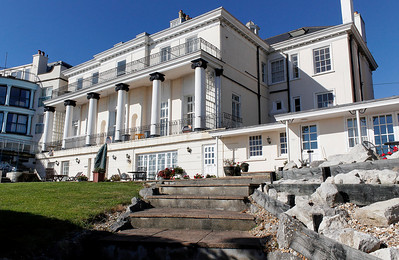 The New 'cool', Classicism at Greenhill Gardens