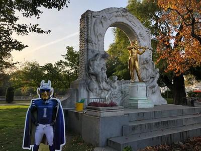 Vienna -Statue of Strauss- SIDELL