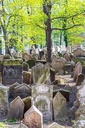 Prague Old Jewish Cemetery - 12 layeres deep