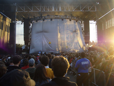 Curtain goes up while they set up for DMB