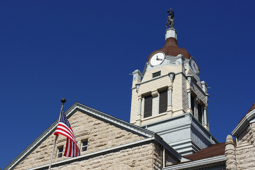 Lawrence County Courthouse,  Mount Vernon, MO.