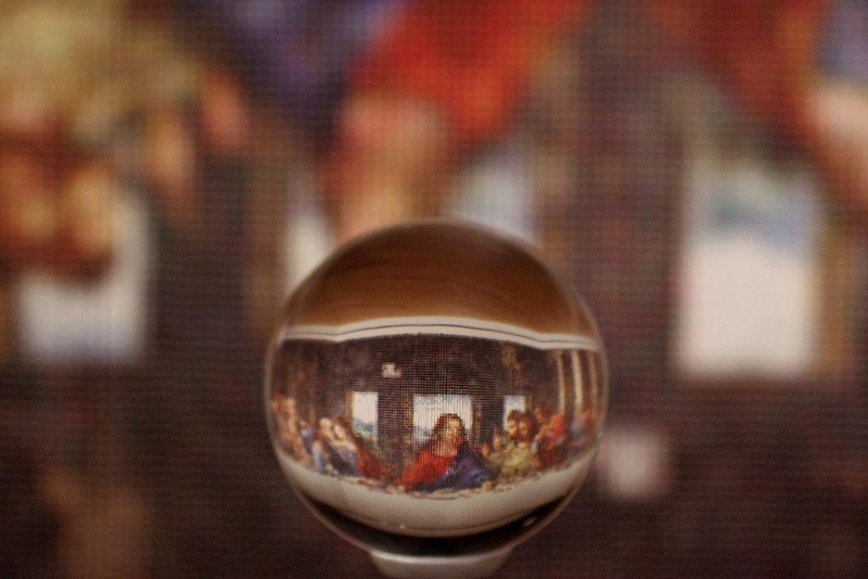 This is what the tapistry made from spools of thread looks like when viewed through the crystal ball. Crystal Bridges Museum, Bentonville, Arkansas. artist Devorah Sperber