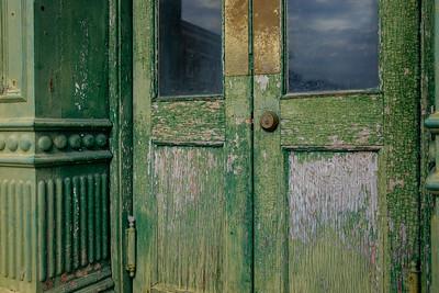 green_door-t0840