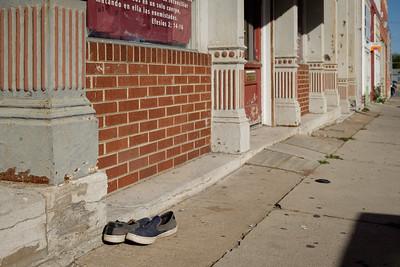 sidewalk+shoes-t0872