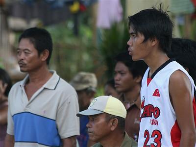Ook concentratie langs de lijn. Siquijor, de Filipijnen.