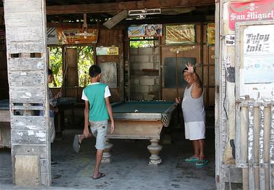 Poolen, een favoriete bezigheid van de Filipino's. Siquijor, de Filipijnen.