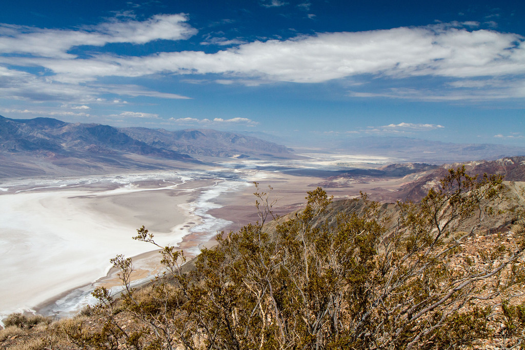 Dantes View, 5500 feet above sea level (and I guess about 5782 feet above Badwater basin just below) offers one of the best views of the valley floor. Here the view is to the northeast. Death Valley is huge