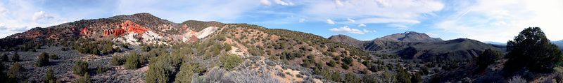 "<font size=""+1"">Here's a 260 degree view of the Red Rock formation.  I sure wanted to explore this area some more.  Looked very interesting. </font>"