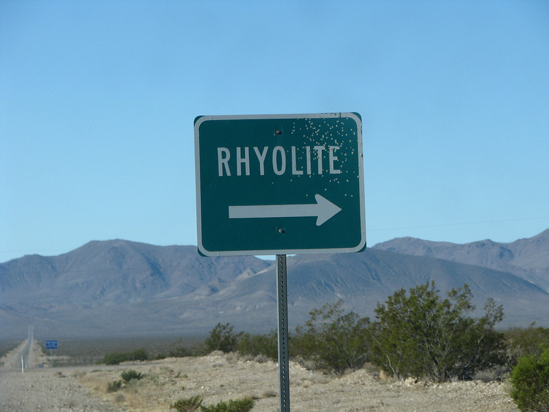 Almost to Rhyolite, this was our first tothe ghost town.