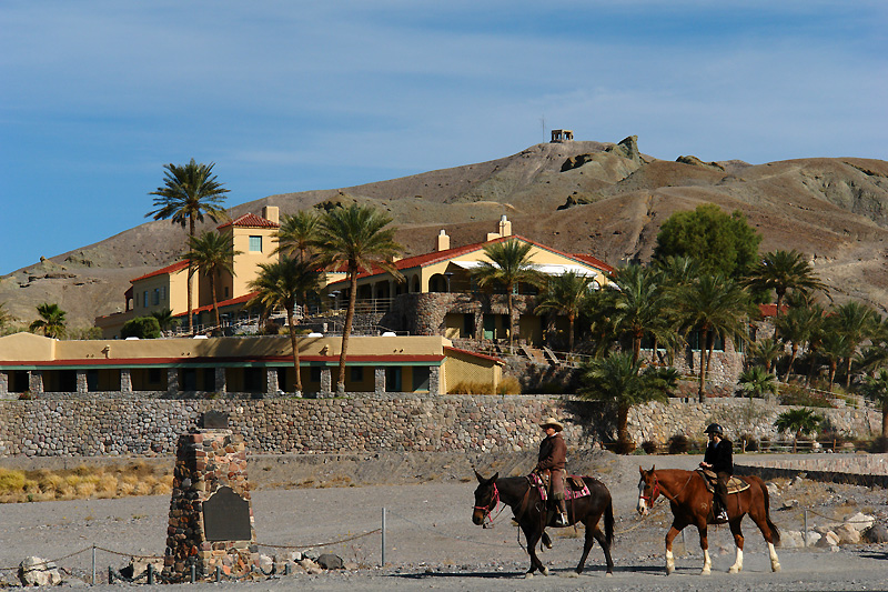 Horse rides taking off from Furnace Creek Inn